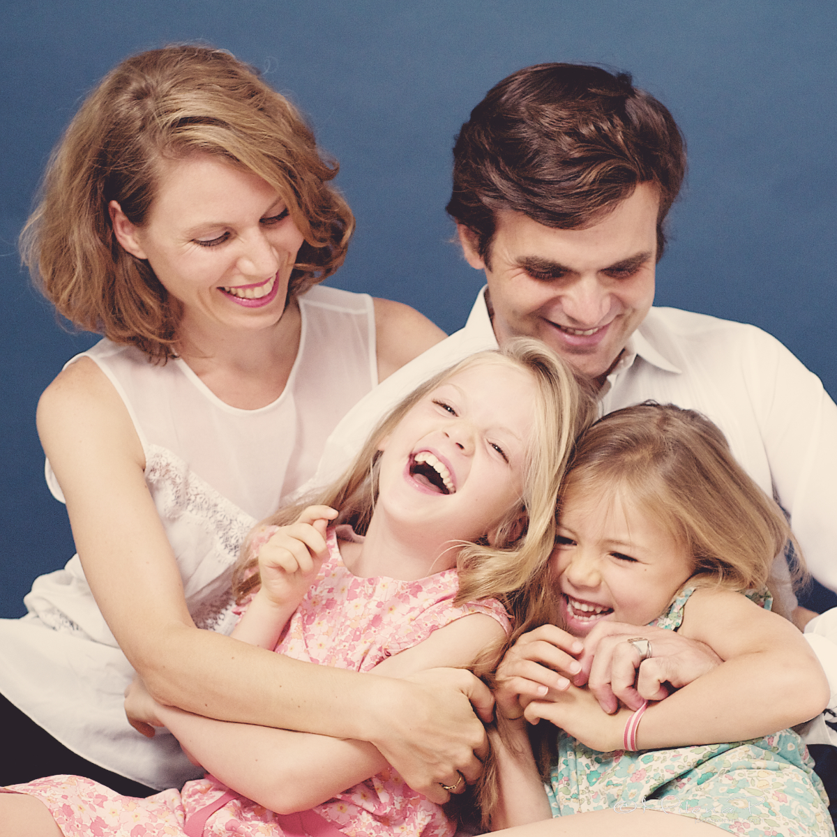 portrait, enfant, famille, séance photo, shooting, Paris, studio, passer un bon moment en famille, 18ème, Paris 18, montmartre, photographe,