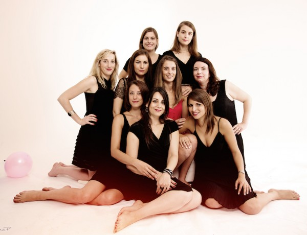 EVJF, portrait, femme, photographe, studio, paris, entreement de vie de jeune fille, mariage, copines, s'amuser entre amies, organiser une événement, entre copines, cadeau original, EVJF original