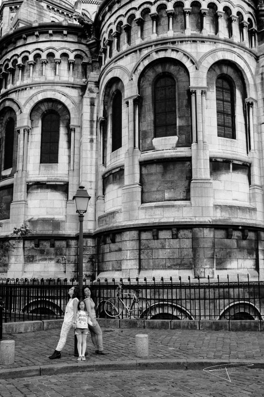 seance photo, famille, paris, montmartre, souvenirs, héritage, belle expérience en famille, portrait, portraits de famille, famille monoparentale, photographe, MilenaP, Daniel Bourdenet