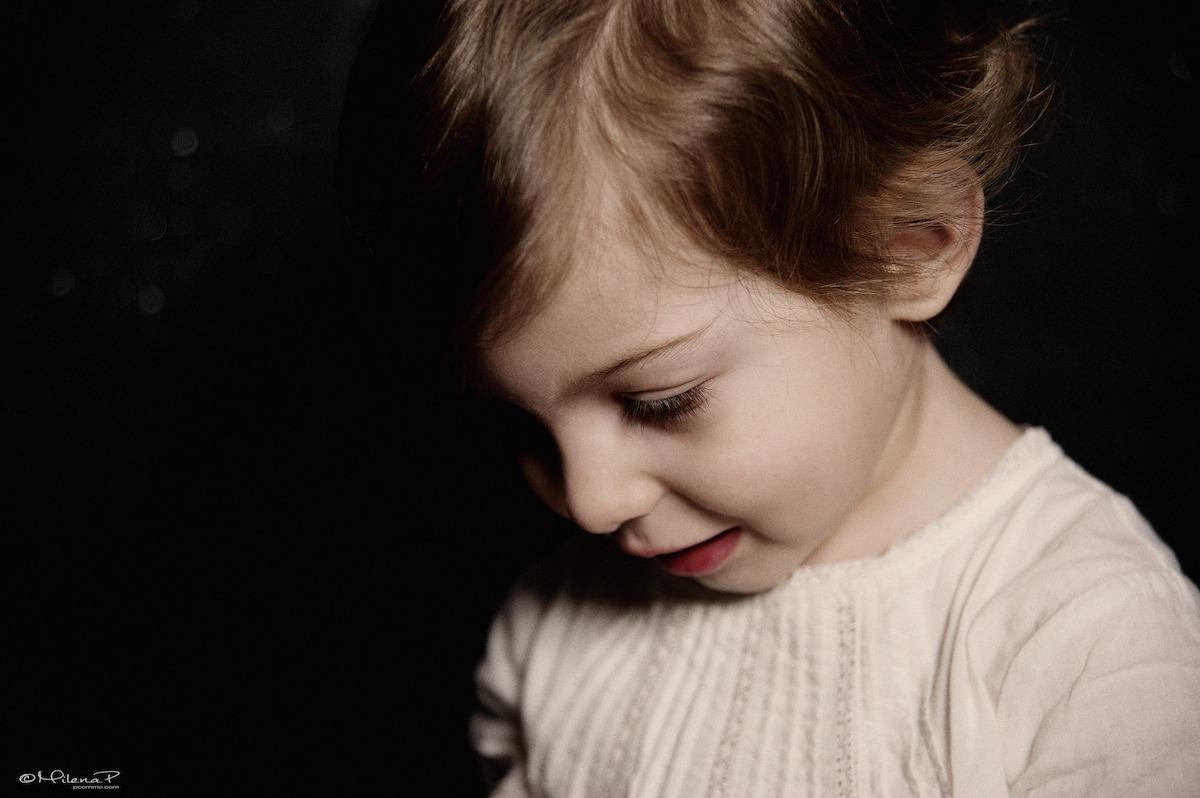 Portrait, studio, enfant, enfance, portrait couleur, photographe pour enfant, famille, Paris