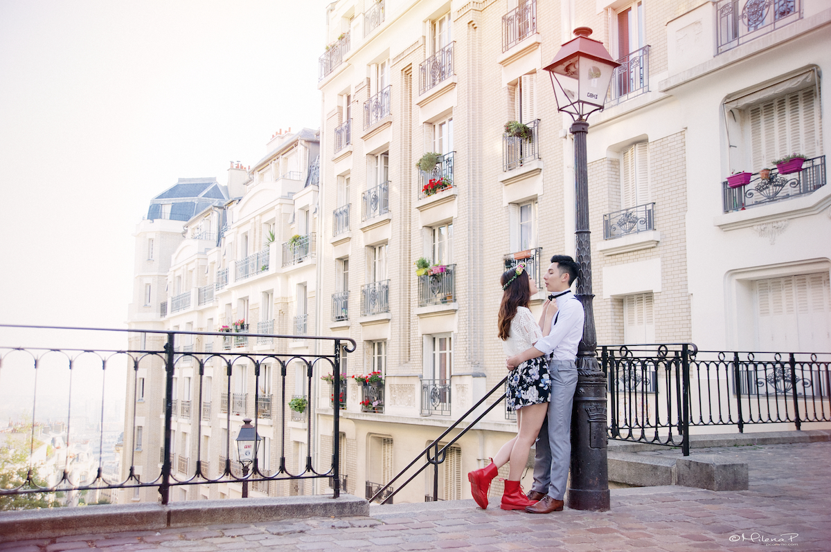 Portrait, couple,Paris, Montmartre, photographe, couple, engagement, séance photo, pre-wedding, engagement session