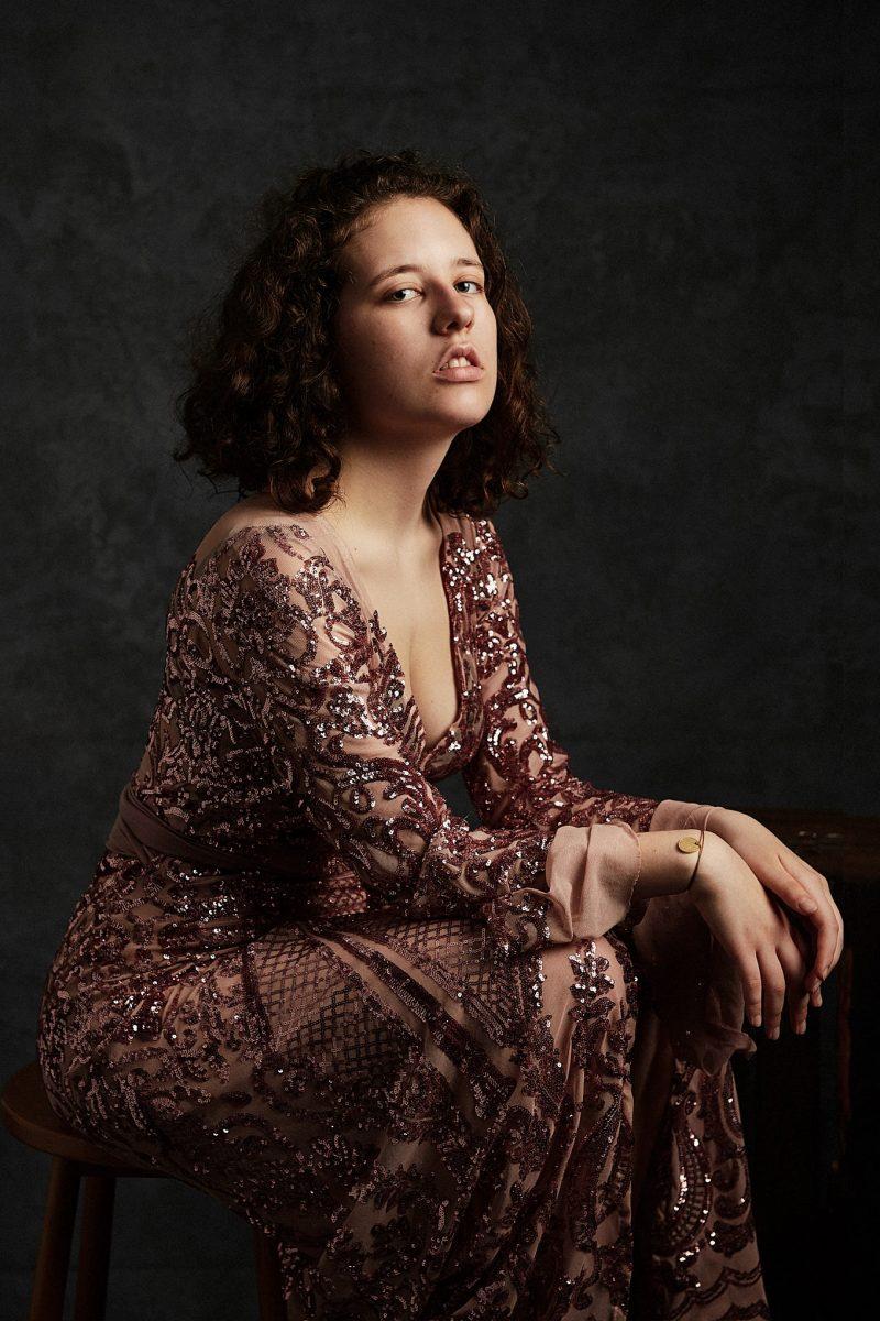 portrait, femme, ado, robe, élégance, photographe, portrait, Paris, robe à paillettes
